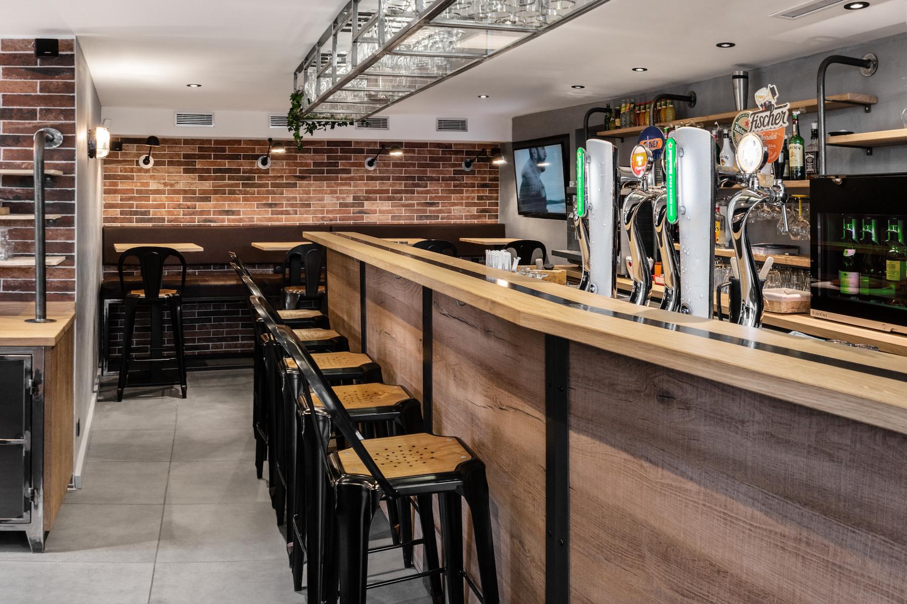 creation bar cafe sport